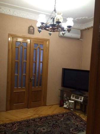 Продам новый дом в Слатино, большой участок с бассейном