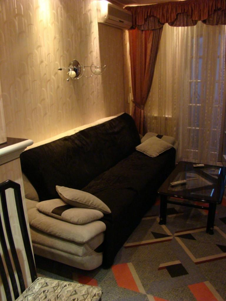 пр. Независимости 5, квартира с ремонтом, м. Научная, Госпром, дом с лифтом
